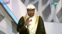 بم یسبق المصلی عند الهوی للسجود؟