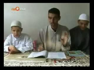 طفلی نابینای الجزایری که خطیب صدها مسلمان است