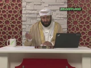 حکم خواندن نماز با لباس کار
