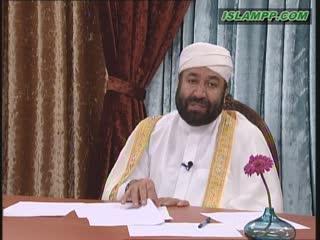 حکم قرآن خواندن پشت سر نمازگزاران
