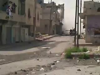 - لحظه انفجار مسجد عمربن خطاب درعا