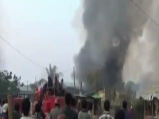 این خانه برادران مسلمان ماست که در برمه به آتش کشیده می شود!