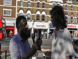 Christian becomes Muslim - Street Dawah