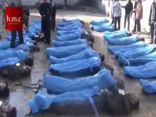 اعدام دهها نفر توسط نظام اسد و انداختن آنها در نهر و جمع اوری اجساد توسط مردم (3)