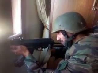 یک نظامی اسد که به دست خودش کشته می شود
