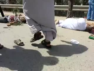کشتار اهل سنت توسط مالکی جلوی مسجدی در عراق