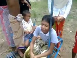 پدر این طفل روهینگایی جلوی چشمان این کودک کشته می شود و او 5 ماه است که به حالت هیستریک گریه می کند!