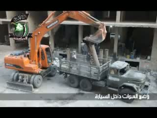 انفجار کامیون بمب گذاری شده توسط ارتش آزاد داخل مقر ارتش ثانویه صنعتی